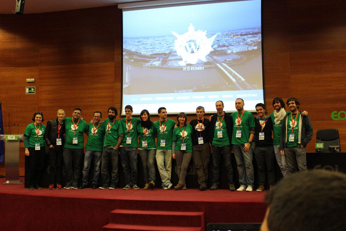 Gracias por el esfuerzo y dedicación de la organización que hizo posible la Wordcamp Sevilla 2013